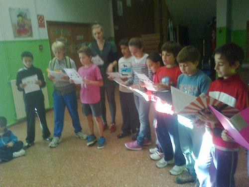 grupo de niños de 10-12